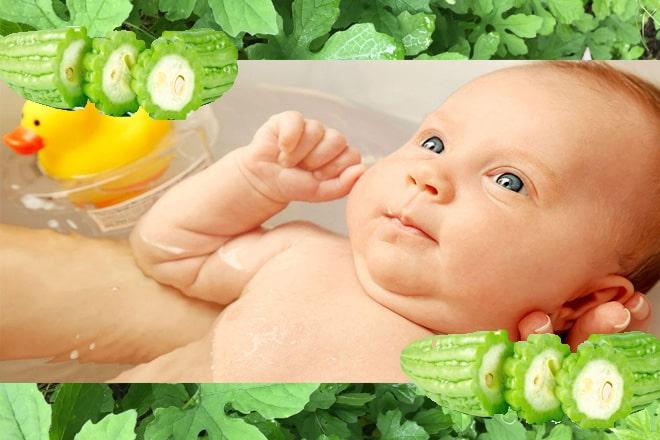 Tắm mướp đắng cho trẻ sơ sinh